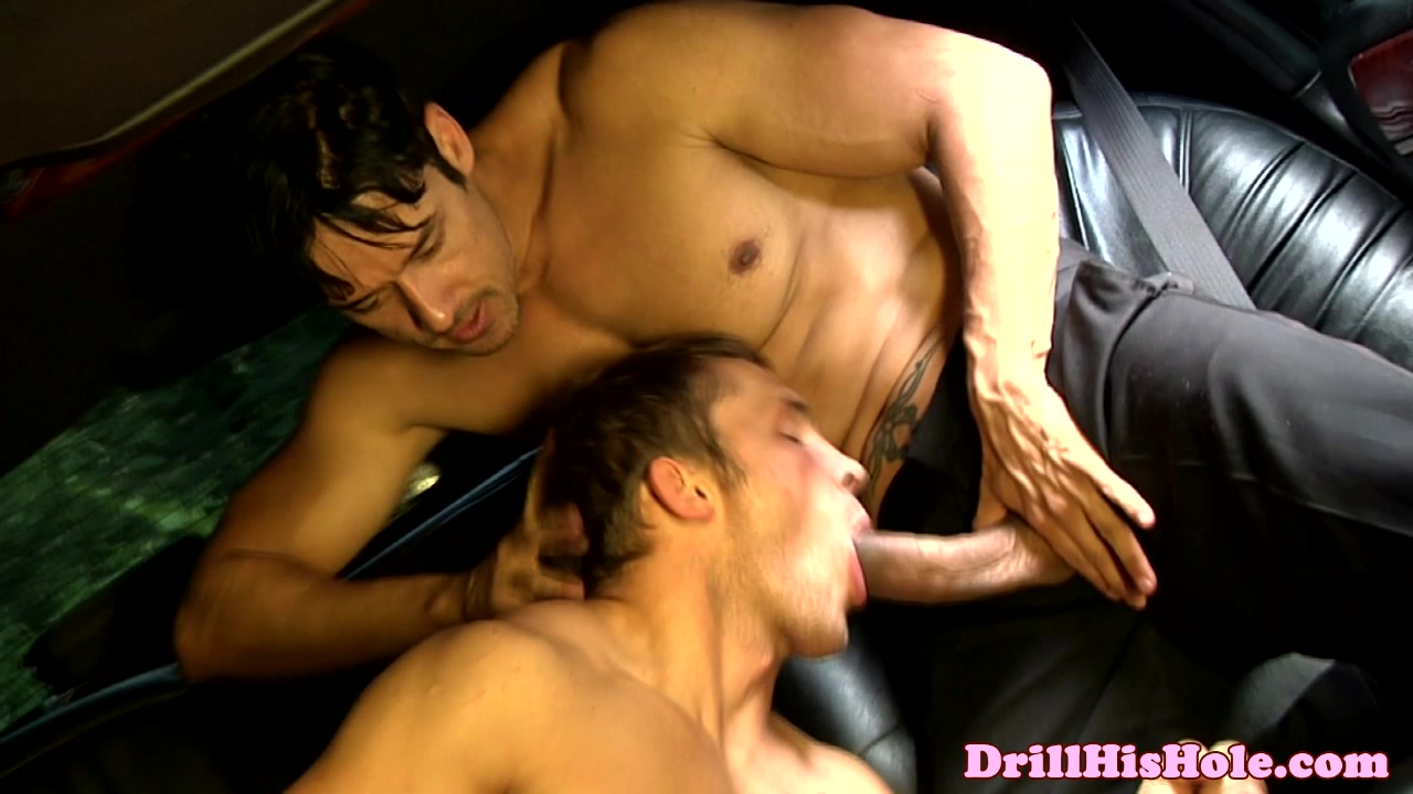 Kinky Top Giving Ass Drill To Bottom