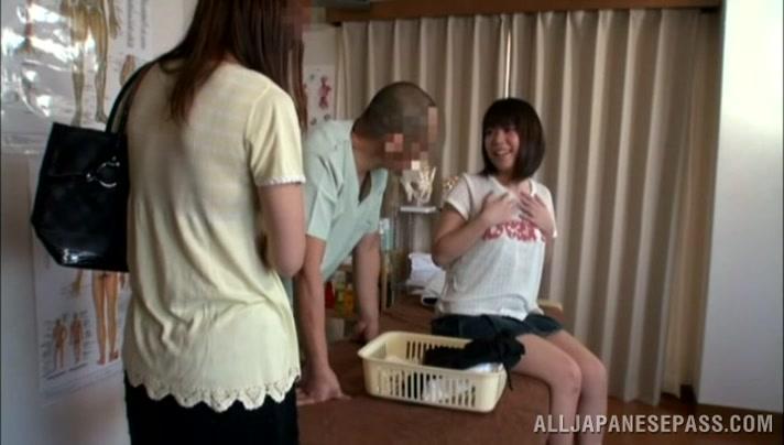 Kyono Sexy Asian Teen Enjoys 67