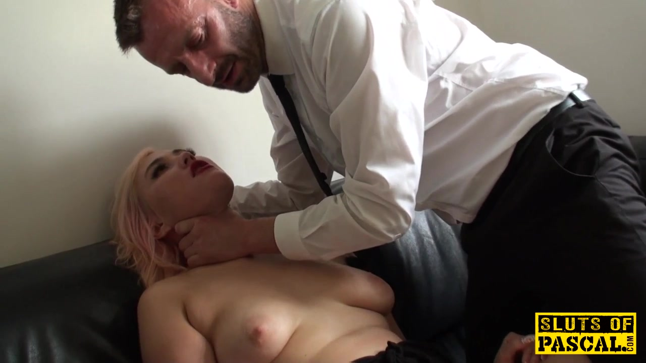 Choked brit skank playing with herself 9