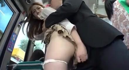 porno-pri-lyudyah-v-avtobuse-onlayn